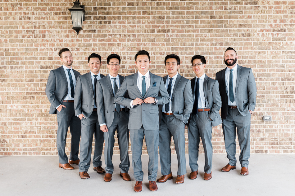 groom and groomsmen at dove ridge vineyard dallas wedding photographer